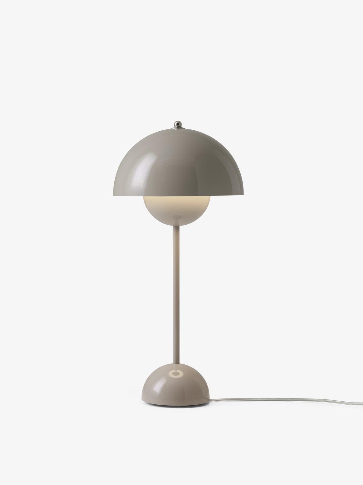 &tradition Flowerpot VP3 bordlampe, Ø23 cm, red brown