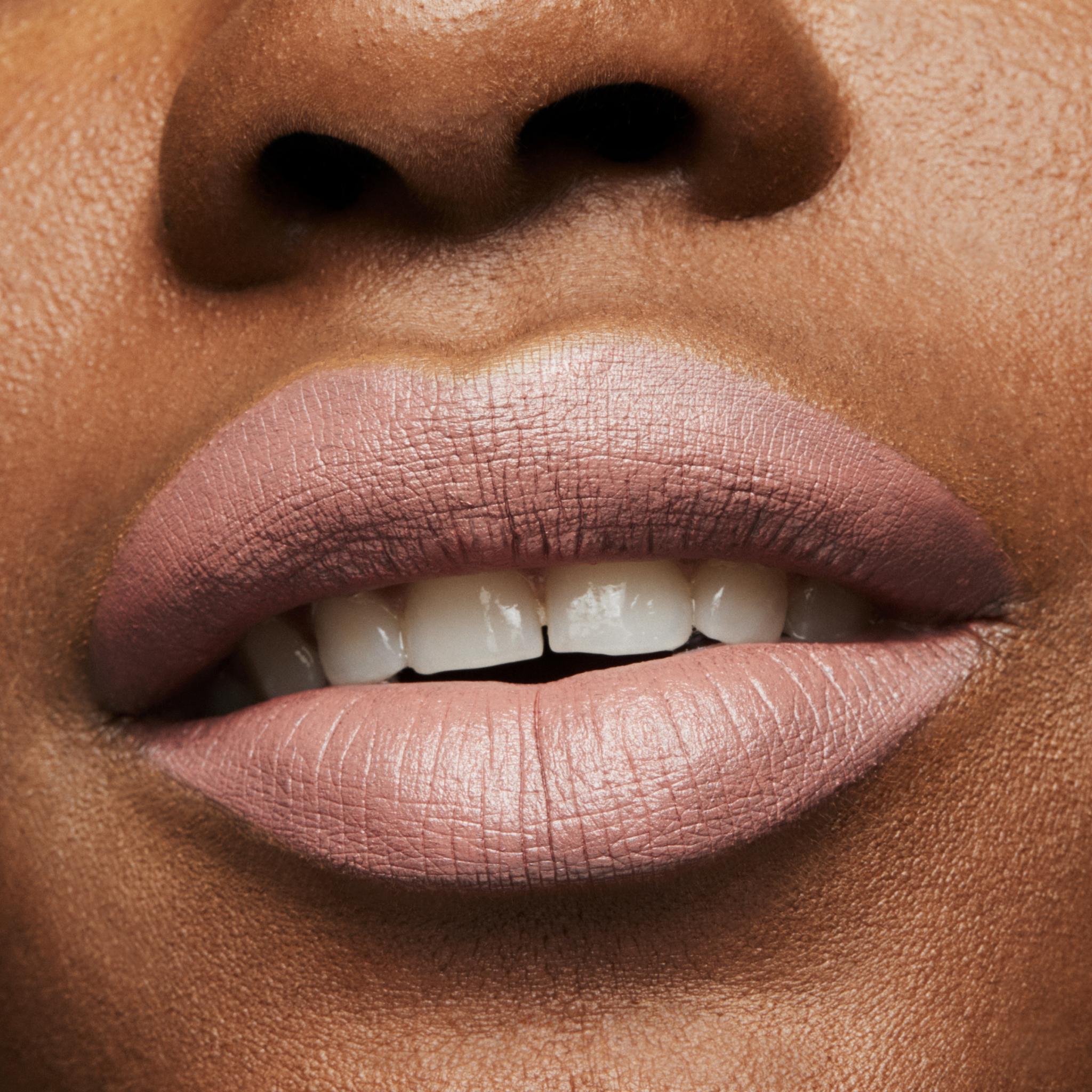 MAC Lipstick, velvet teddy