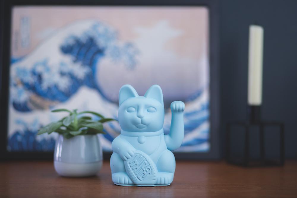 Donkey Maneki-Neko vinkende kat, blå