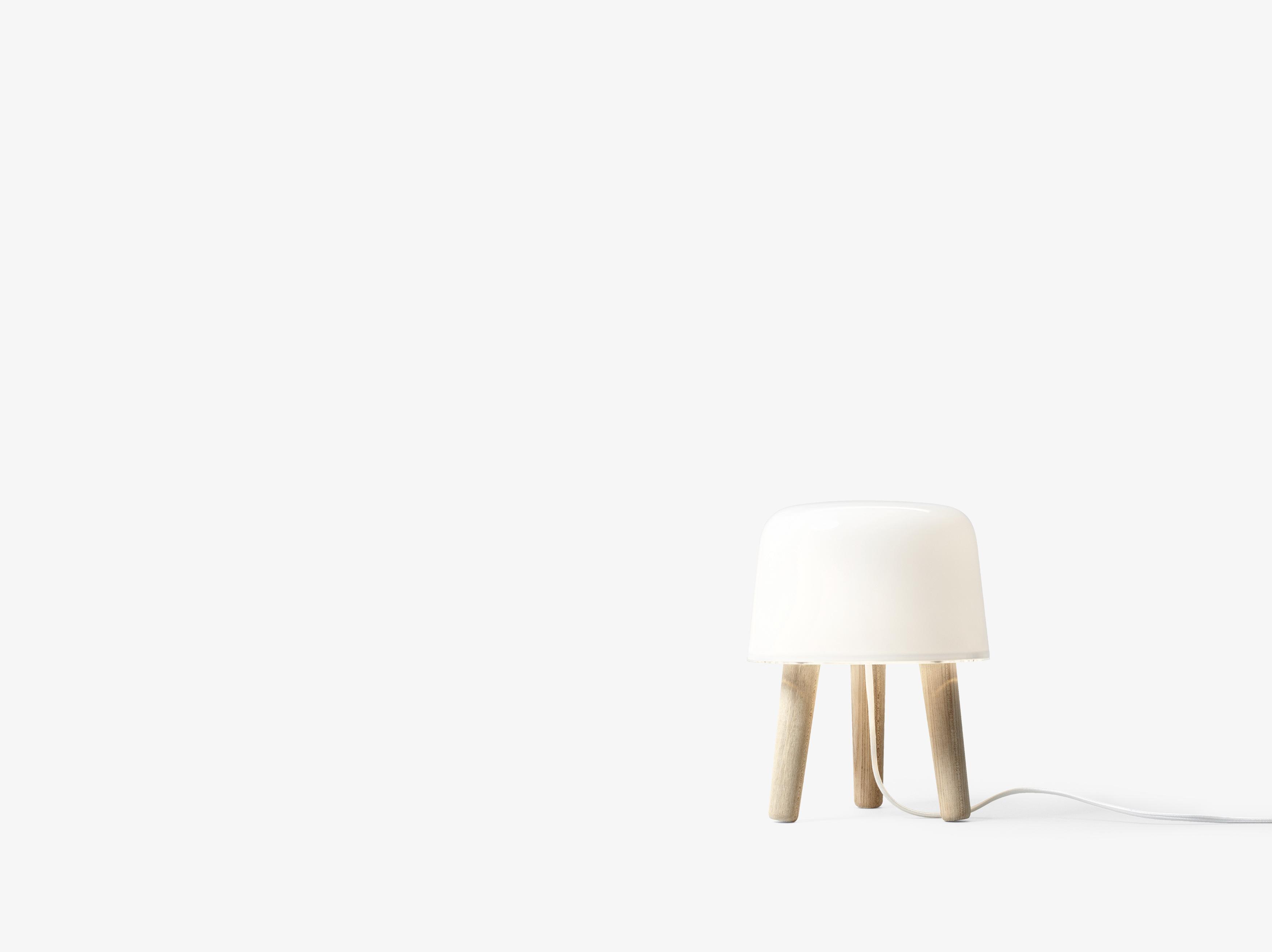 &tradition Milk NA1 bordlampe, Ø20 cm, white/oak
