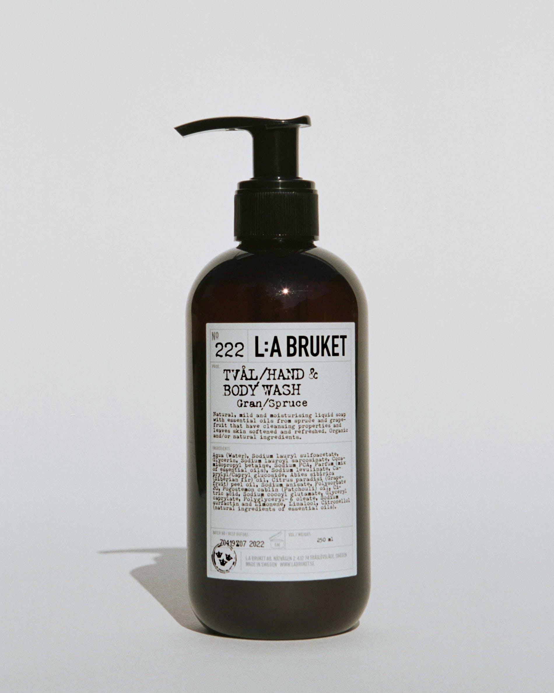 L:a Bruket No. 222 hånd- og bodysæbe, 240 ml, Gran/Spruce