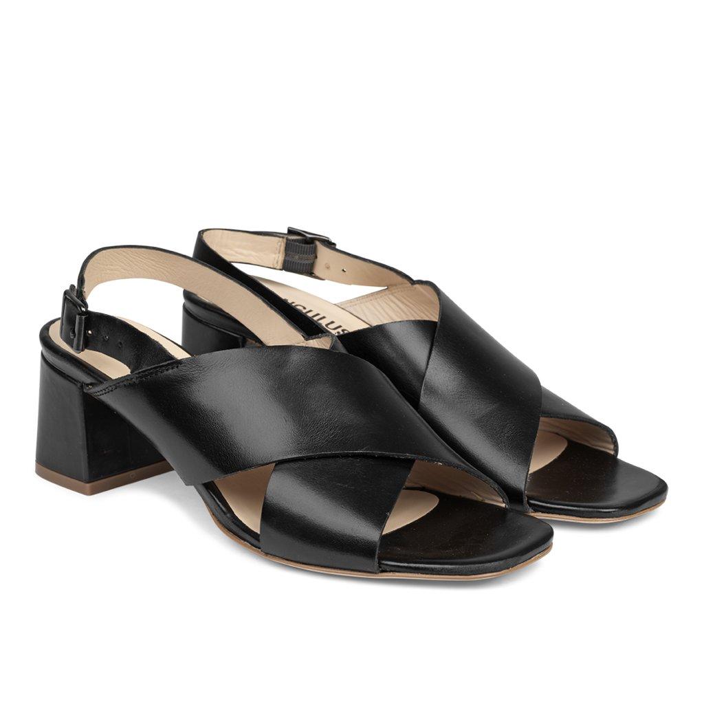 Angulus 5568-101 sandal