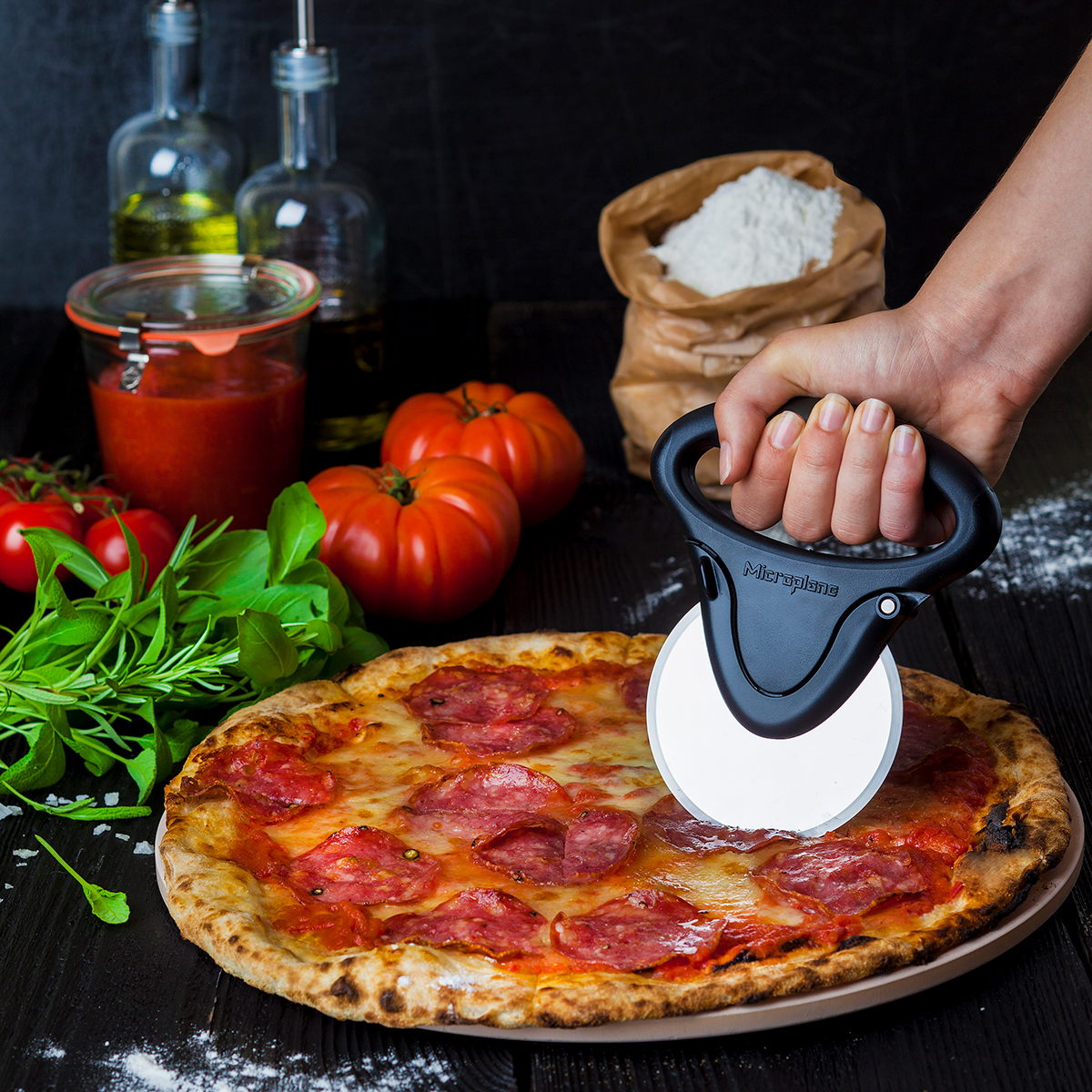 Microplane pizzaskærer