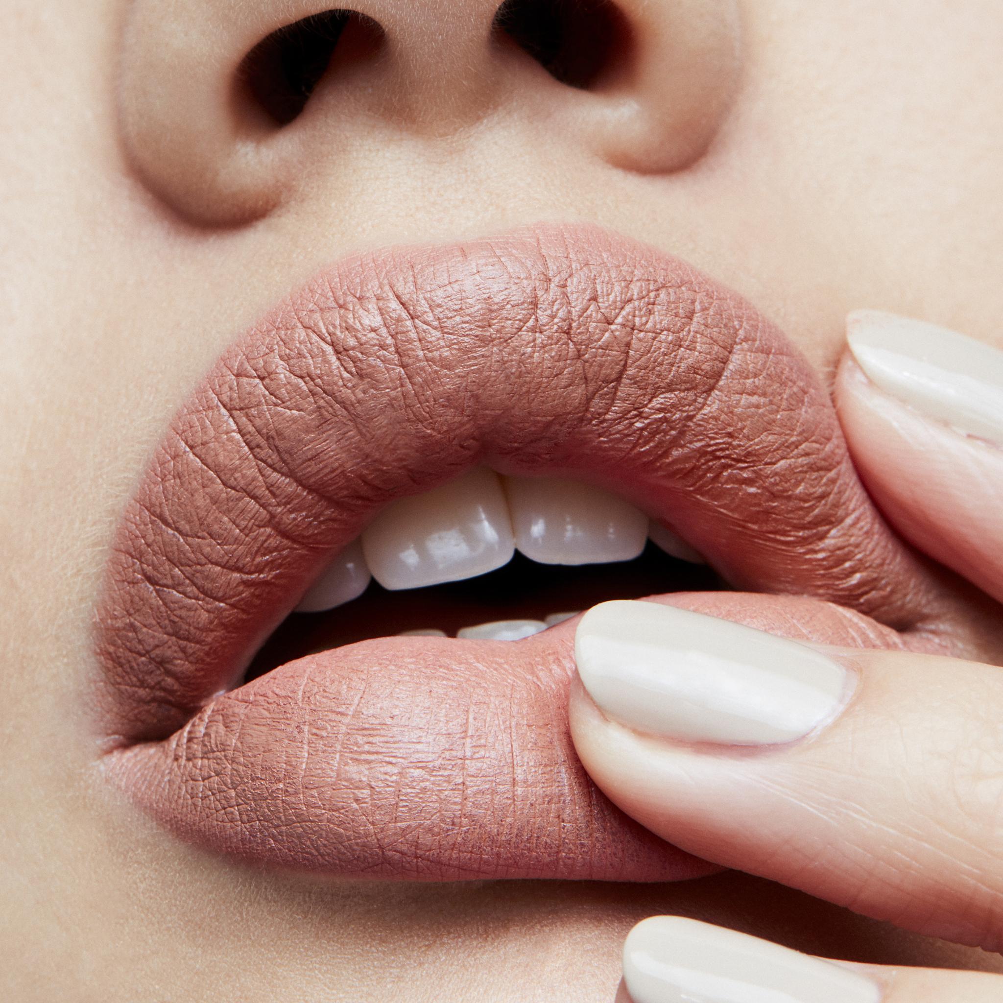MAC Lipstick, yash