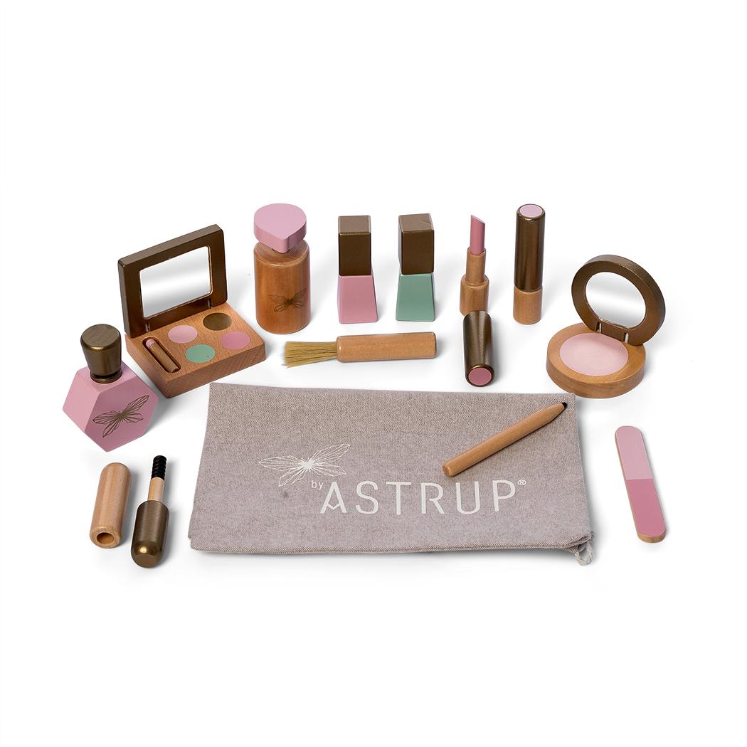 By Astrup Make-up sæt i 13 dele