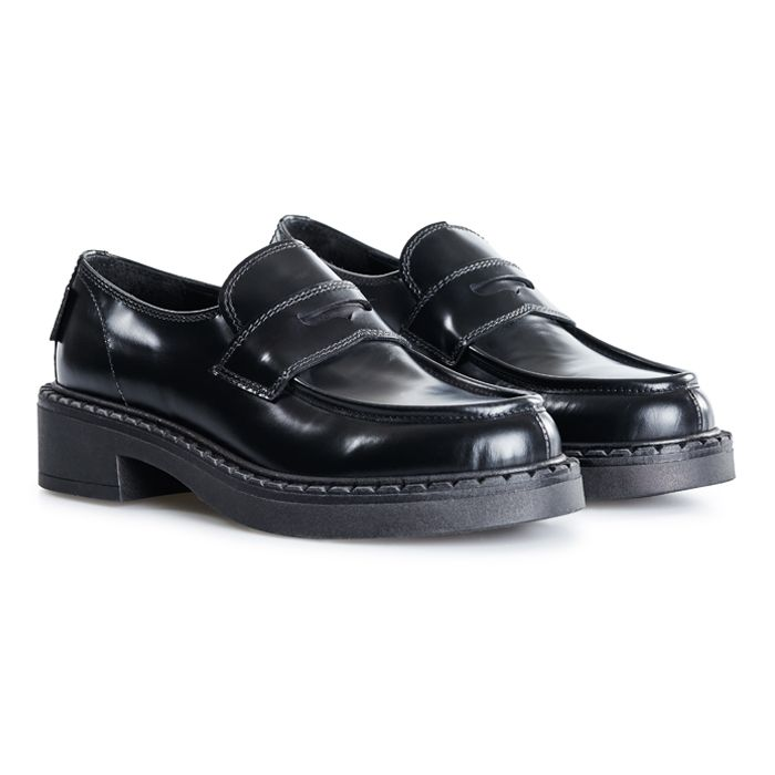 G. H. Bass Albany II Saddle Loafers